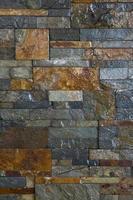 colorido muro de piedra