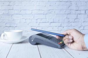 Contactless payment with smart phone photo