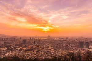 Vista de la ciudad de Seúl, Corea del Sur, al atardecer foto