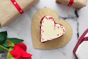 pastel en forma de corazon foto