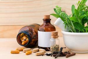 hierbas frescas y medicina alternativa