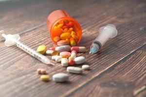 pastillas y jeringas