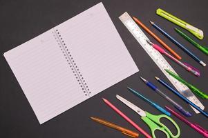 fondo de cuaderno y papelería de regreso a la escuela