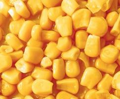 Cooked corn kernels