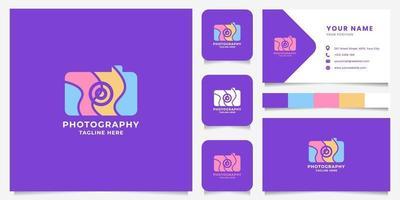 logotipo de cámara colorida con plantilla de tarjeta de visita vector