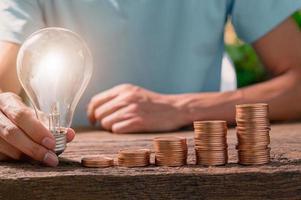 Light bulb ideas stacked instead of flourishing