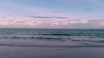 paysage belle plage du matin