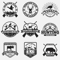 Conjunto de insignias y etiquetas de logotipos de caza. vector