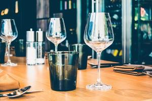 vasos en la mesa foto