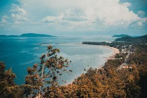 Vista desde el mirador de matsee en la provincia de Chumphon, Tailandia foto