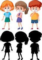 conjunto, de, diferente, niños, llevando, máscara, caricatura, carácter, con, silueta vector