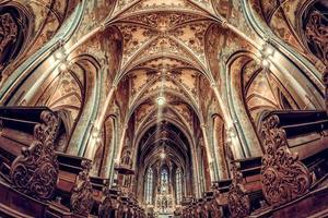 interior de la basílica de st. pedro y pablo foto