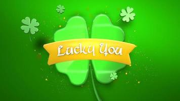 Animation Nahaufnahme Glück Sie Text und Bewegung große grüne Kleeblätter auf Saint Patrick Day glänzenden Hintergrund video