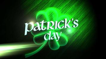 Animation Nahaufnahme Patricks Tag Text und Bewegung großes neongrünes Kleeblatt auf Holzhintergrund video