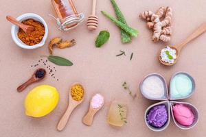 círculo de productos naturales para el cuidado de la piel foto