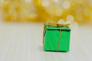 caja de regalo verde