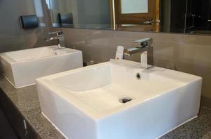 Sinks in bathroom