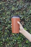 taza de viaje roja