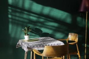 cafetería moderna interior acogedor foto
