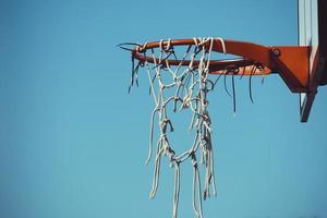 viejo aro de baloncesto foto