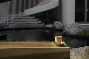 café con leche caliente por la mañana foto