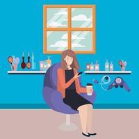 mujer joven en la peluquería bebiendo una bebida vector