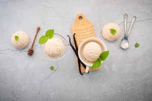 Vanilla bean ice cream with mint