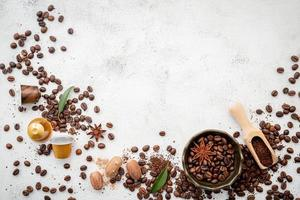 Bastidor de granos de café con espacio de copia foto