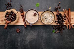 tazas de café sabroso foto
