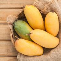 Bag of mangoes