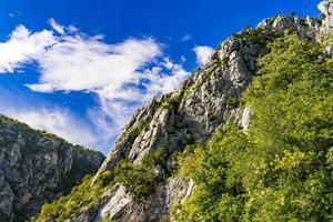 Garganta del Danubio en Djerdap en la frontera serbio-rumana foto