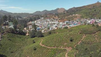 4k de filmagem de munnar, uma cidade de plantação de chá na cordilheira dos Gates Ocidentais, na Índia