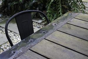 asiento de jardín y mesa de exterior