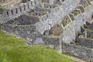 ruinas de la antigua ciudad inca de machu picchu en perú foto