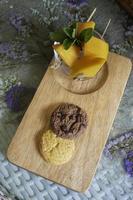 snack de mango y galletas