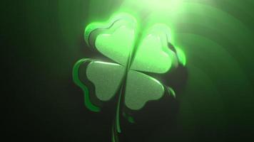 animação closeup movimento trevos verdes sobre fundo brilhante do dia de São Patrício video
