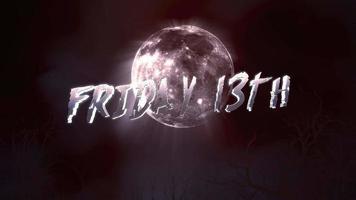 animationstext fredag 13: e och mystisk animation halloween bakgrund med mörk måne och moln video
