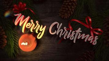closeup animado texto de feliz natal, vela e galhos de árvores verdes sobre fundo de madeira