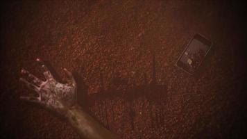 mystisk abstrakt skräckbakgrund med mörkt blod, händer och telefon video