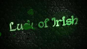 animação movimento sorte de texto irlandês e folhas verdes de trevos em fundo de São Patrício video