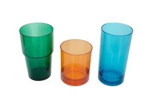 tres vasos de plástico foto
