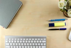 vista superior de escritorio con espacio de copia foto
