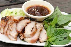 cerdo a la plancha con salsa bbq foto