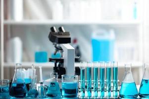 equipo de laboratorio de quimica foto