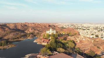 el jaswant thada, cenotafio de maharaja jaswant singh, en jodhpur, rajasthan. tiro orbital video