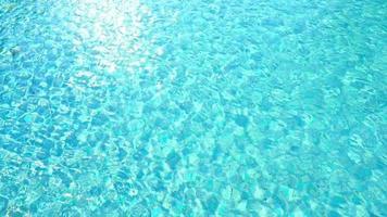 fond abstrait eau cristal piscine