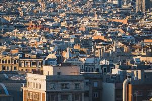 vista del paisaje urbano de los edificios de barcelona foto