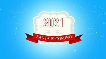 Le père noël en gros plan animé arrive et le texte 2021, voler des flocons de neige blancs et des cerfs sur fond de neige avec une bannière rétro video