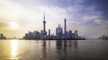 horizonte de la ciudad de shanghai, china