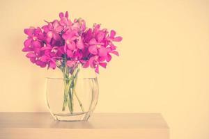 orquídeas en florero